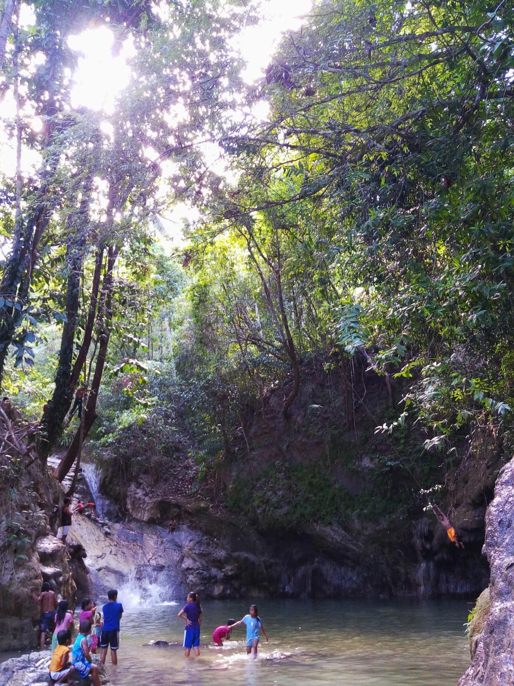 Bohol Blog, Bohol waterfalls, how to get to bohol water falls, backpacking bohol falls